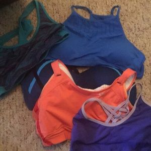 5 sports bras 2 w clasp in back Large size